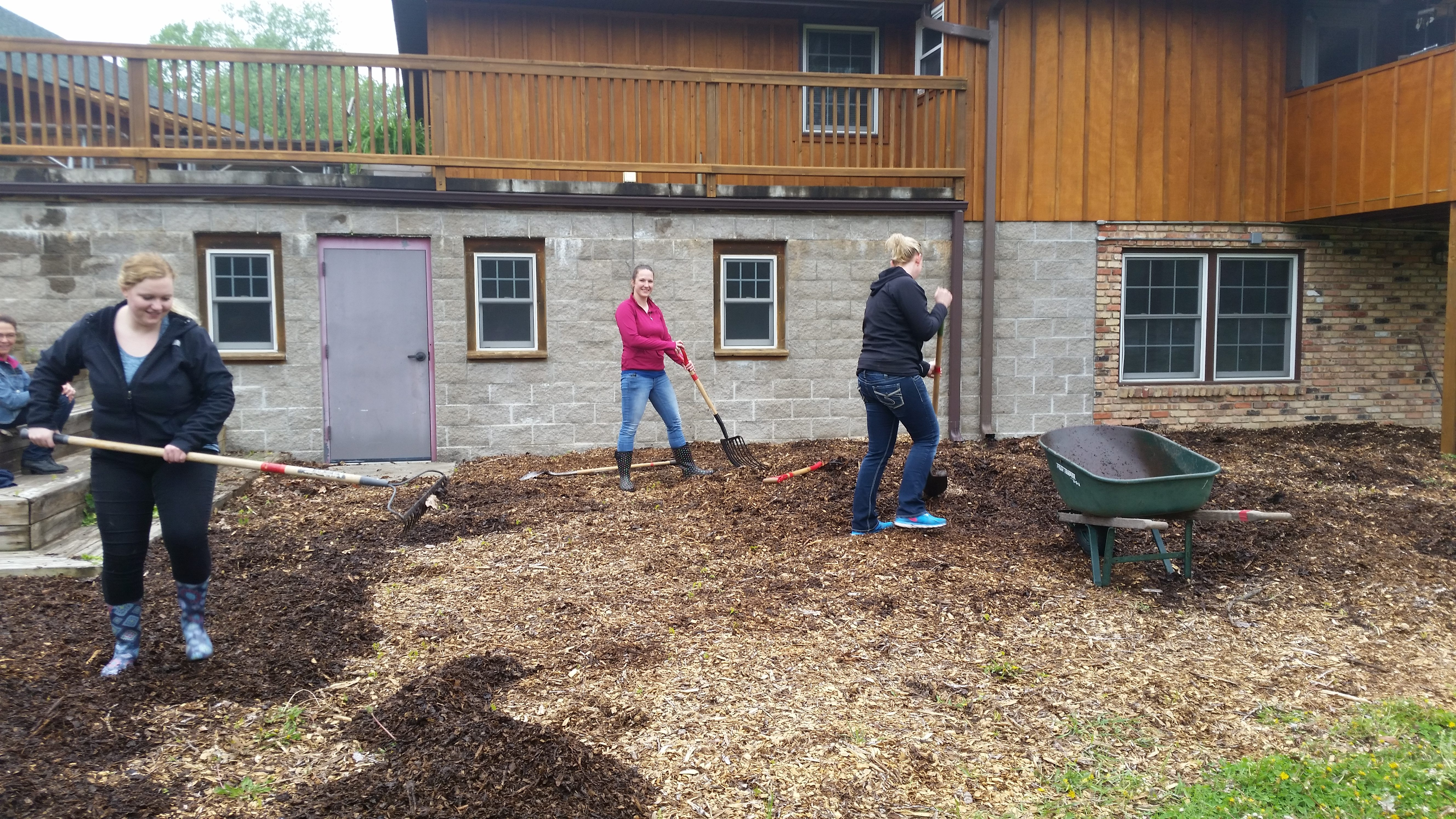 Group spreading mulch 2
