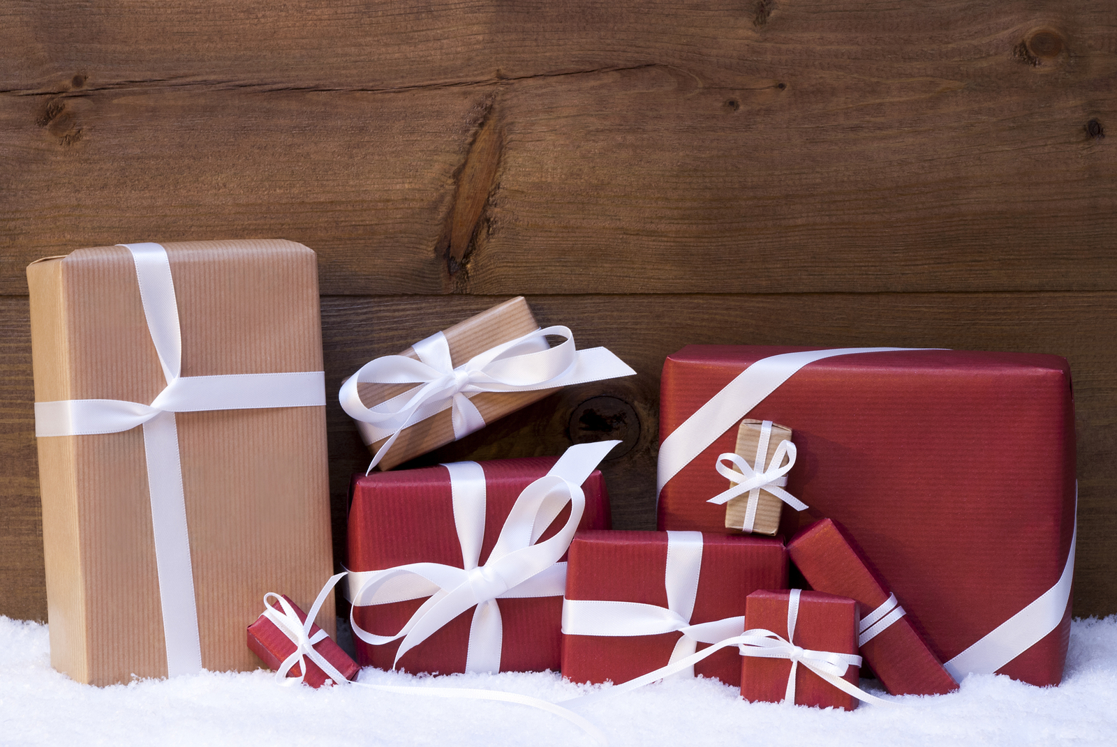 Red Christmas Gifts And Presents With White Ribbon Froehling Anderson