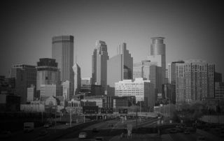 a photo of the minneapolis skyline